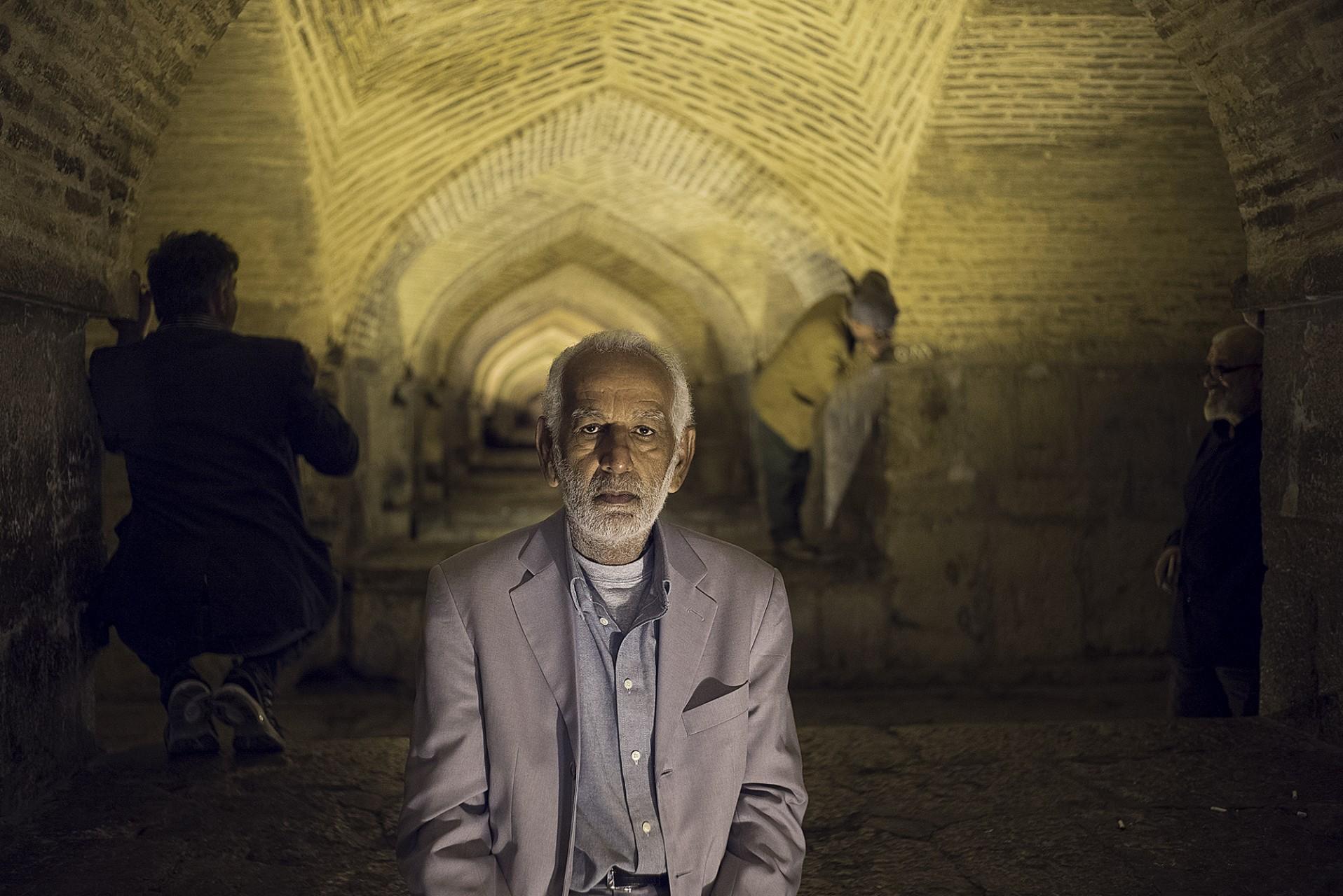 Iranien sous le pont