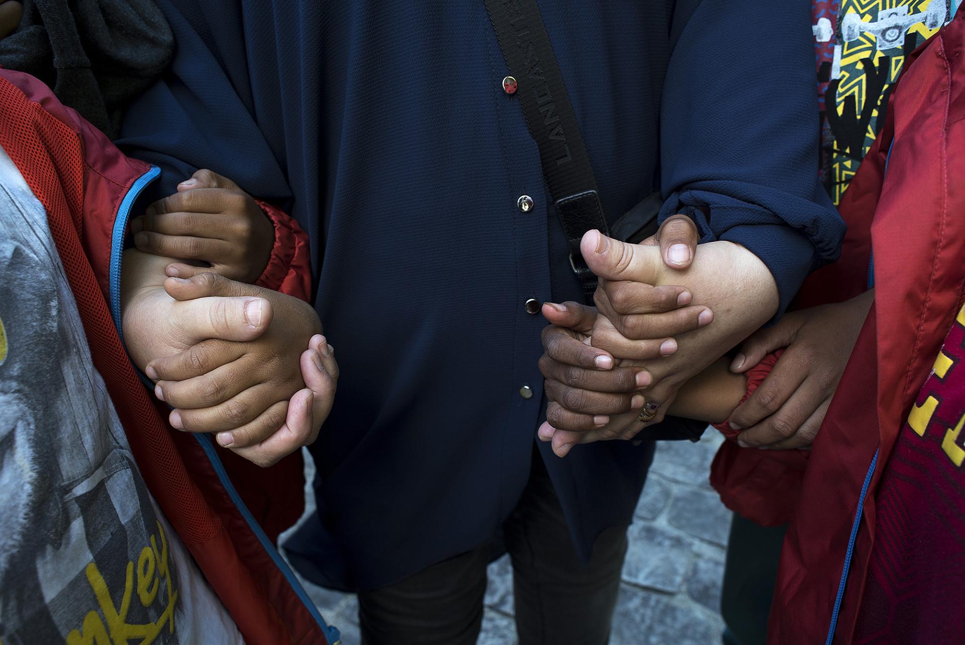 Le vendredi 29 juillet au parc des coteaux a Vitry sur Seine ont ete officiellement accueilli les enfants Palestiniens et Sahraouis venus pour passer des vacances dans les centres de vacances de Vitry en France. L adjoint au maire de Vitry Djamel Hamani a